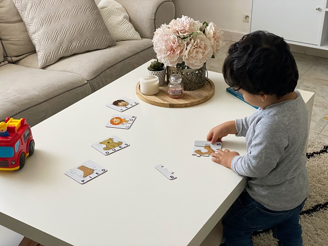 Travail a la maison avec un enfant